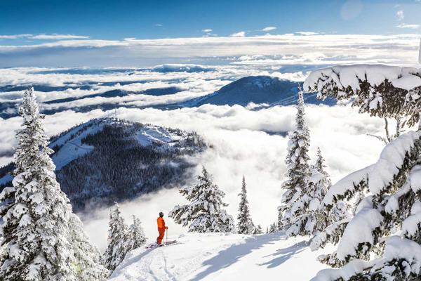 Revelstoke,-Canada-ski-holidays-skiing-resorts-ski-vacations-last-minute-ski-deals-ski-package-deals-all-inclusive-ski-holidays-best-family-ski-resorts