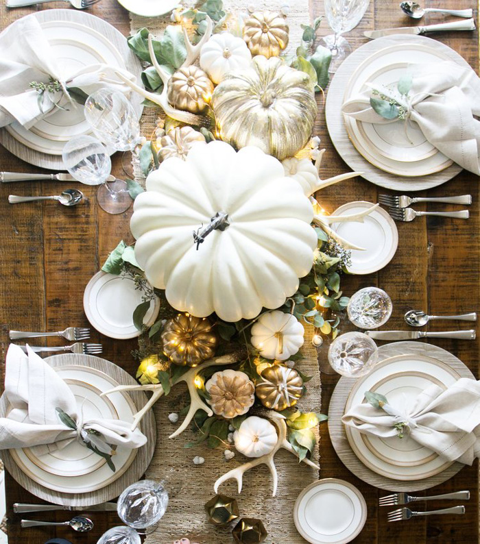 Table-White-Pumpkin-Decoration-for-Thanksgiving-thanksgiving-decorations-thanksgiving-home-decorations-thanksgiving-ornaments-thanksgiving-door-decorations