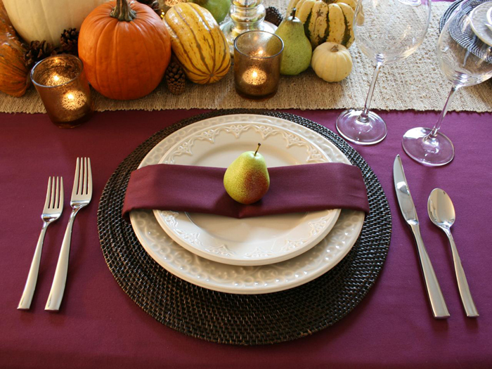 Thanksgiving-Purple-Fall-thanksgiving-centerpiece-thanksgiving-table-settings--inexpensive-thanksgiving-table-decorations