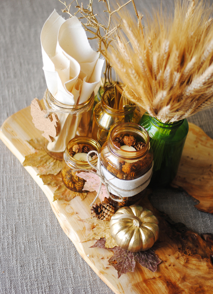 Thanksgiving-Table-Decoration-Jars-Pumpkins-Leaves-thanksgiving-centerpiece-ideas--easy-thanksgiving-table-decorations