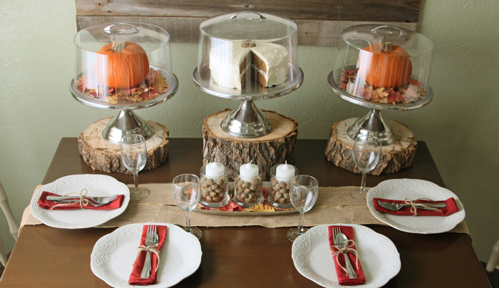 Thanksgiving-Wooden-Table-Decoration-Vintage-Table-Settings-Wood-table-Centerpiece-Inexpensive-Thanksgiving-Ideas