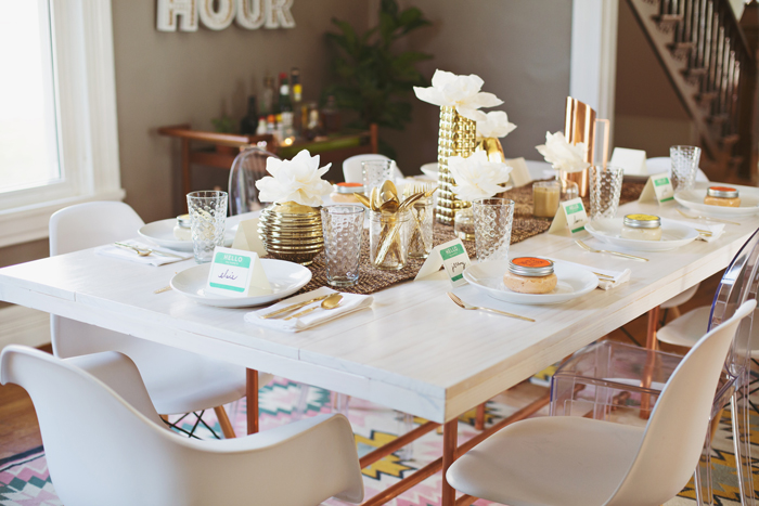 Thanksgiving-table-decorations-white-table-bright-colors-white-chairs