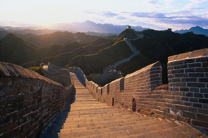 The-Great-Wall-of-China-Beautiful-sunshine Stairs Mountains Green