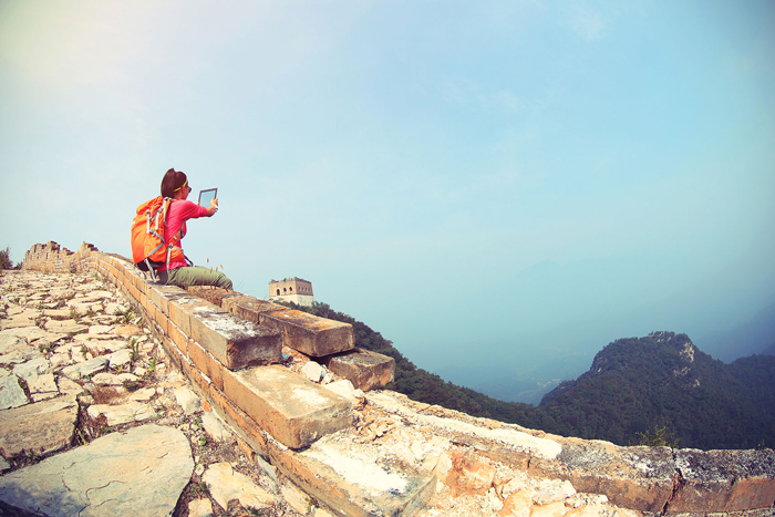 The-Great-Wall-of-China,-China-Girl-Selfie-On-The-Edge-Selfies-Selfie-take-a-selfie-the-selfie-best-selfie-selfie-stick