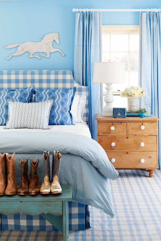 Baby-Blue-Bedroom-Interior-Boots-Horse-colors-color-palette-colour-schemes-complementary-colors-colour-combination-basic-color-wheel