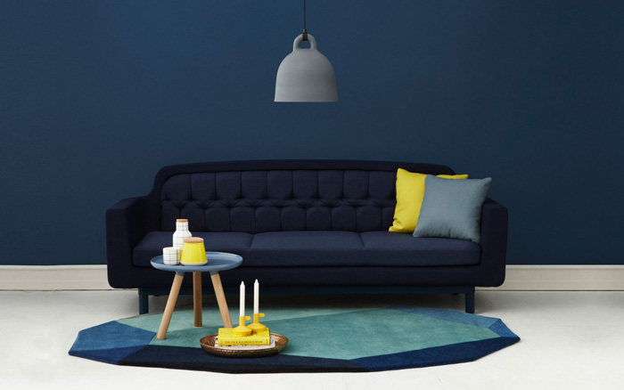 Blue-Interior-Design-Blue-Wall-Yellow-Pillow-Abstract-Carpet-colors-color-palette-colour-schemes-complementary-colors-colour-combination-basic-color-wheel