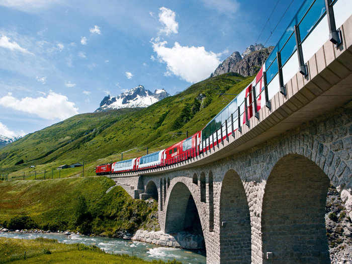 Glacier-Express-Panorama-Trips-train-travel-rail-travel-great-train-journeys-train-vacations-packages-best-train-trips-scenic-railroad-trips