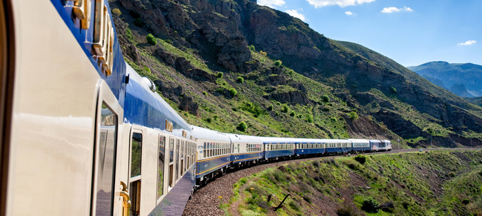 Golden-Eagle-Dunabe-Express-Train-Luxury-Travel-by-Train-train-travel-rail-travel-great-train-journeys-train-vacations-packages-best-train-trips-scenic-railroad-trips