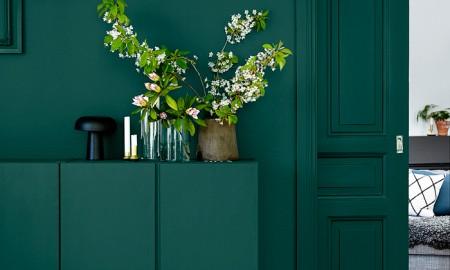 Green-Hallway-Interior-design-colors-color-palette-colour-schemes-complementary-colors-colour-combination-basic-color-wheel
