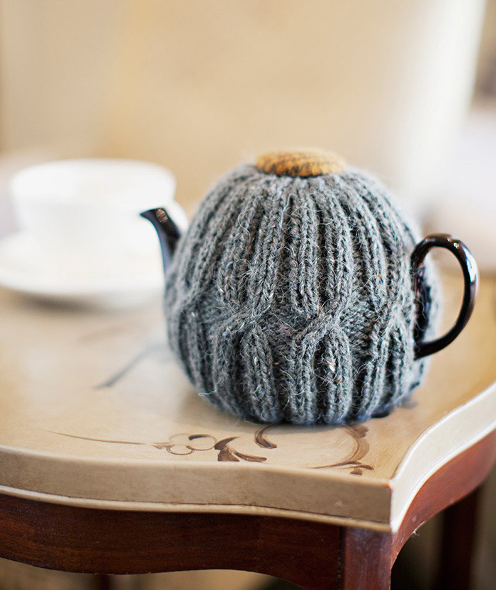 Grey-Knitted-Teapot-Cozy-Cover-crochet-home-décor-knitted-decorations-knitted-home-decor-crochet