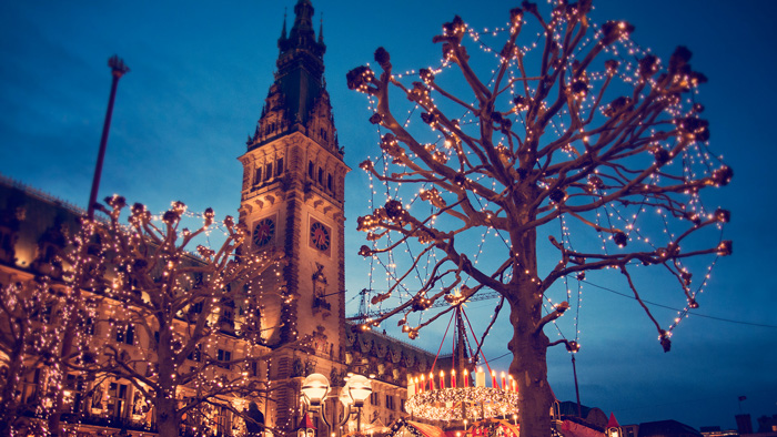 Hamburg-Christmas-Rathhaus-Market-Lights-best-christmas-markets-christmas-market-holidays-best-christmas-markets-in-europe-german-christmas-markets