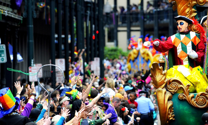 Mardi-Gras-Carnival-US-Colorful-Crowd-on-the-Streets-Men-in-Costume-carnival-festival-carnival-party-carnival-events-local-carnivals-carnival-cruise