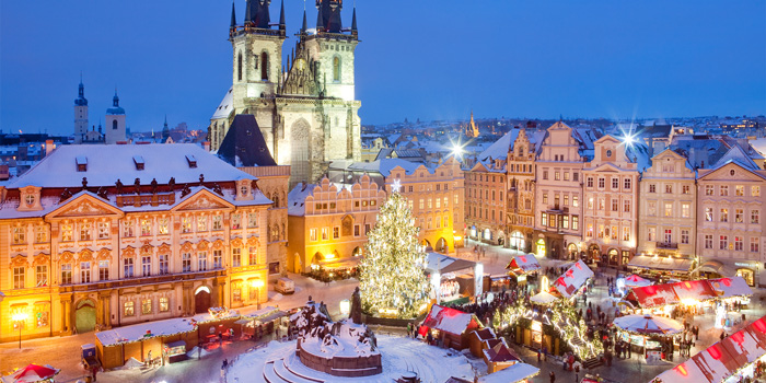 Prague-Christmas-Market-Captured-from-above-Christmas-lights-best-christmas-markets-christmas-market-holidays-best-christmas-markets-in-europe