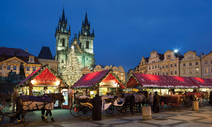 Prague-Christmas-Market-Carriage-Horses-Stands-Christmas-lights-best-christmas-markets-christmas-market-holidays-best-christmas-markets-in-europe