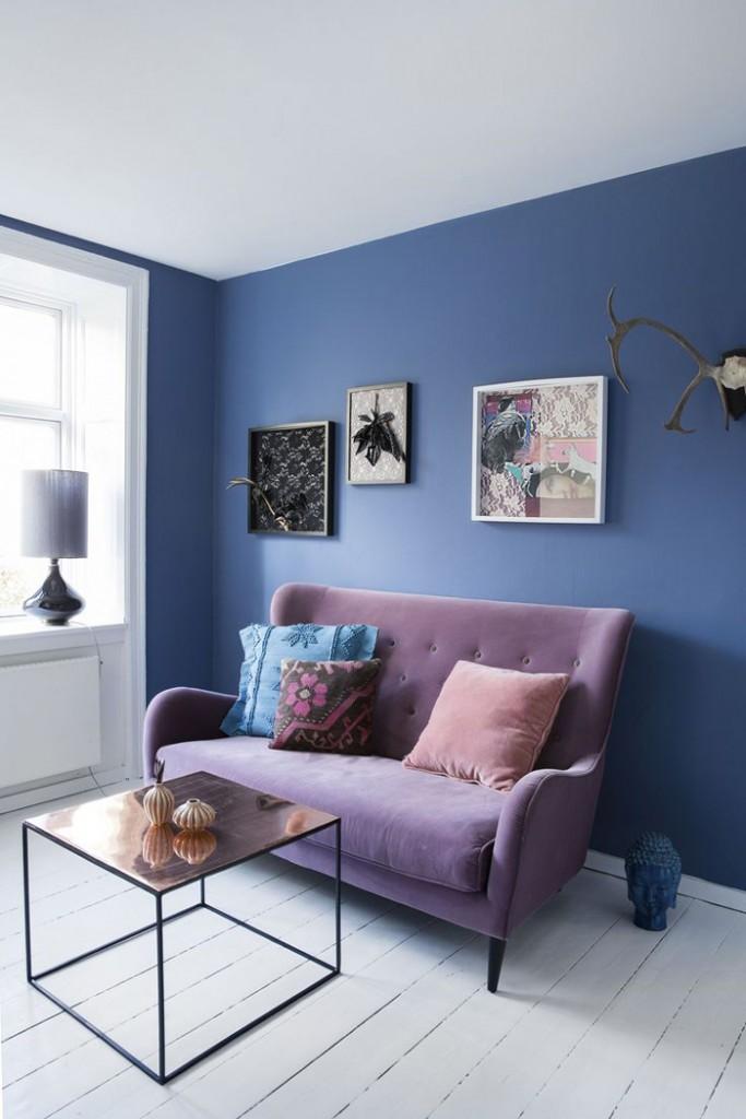 Purple-and-Blue-Interior-Livingroom-Purple-Sofa-colors-color-palette-colour-schemes-complementary-colors-colour-combination--basic-color-wheel