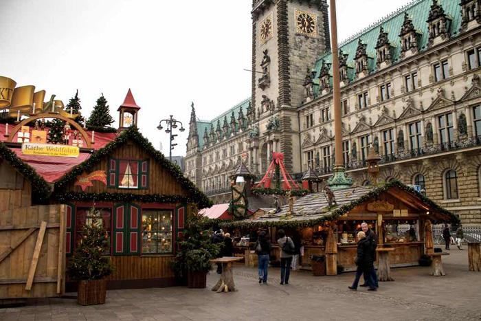 Rathausplatz-Hamburg-Christmas-Market-best-christmas-markets-christmas-market-holidays-best-christmas-markets-in-europe-german-christmas-markets