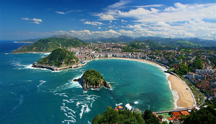 San-Sebastian-Spain-Seaside-Coast-Beach-Island-europe-trip-planner-planning-a-trip-to-europe-driving-in-europe-planning-a-driving-holiday-in-europe