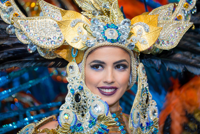Santa-Cruz-Carnival-Beautiful-Woman-with-Amazing-Costume-carnival-festival-carnival-party-carnival-events-local-carnivals-carnival-cruise