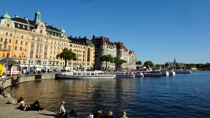 Stockholm-Lake-Summertime-Young-People-solo-travel-companies-places-to-travel-alone-solo-female-travel-solo-travel-destinations