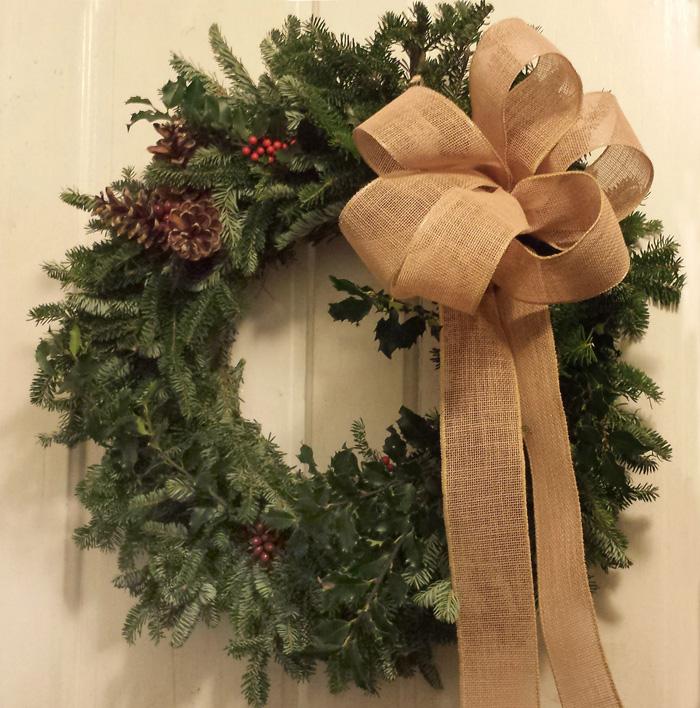 Brown-Easy-Bow-Wreath-christmas-diy-christmas-home-décor-christmas-decoration-ideas--christmas-mantel-decorations