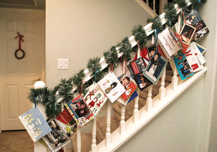 Christmas-Garland-From-Old-Christmas-Cards-White-Christmas-Livingroom-Decoraion-christmas-diy-christmas-home-décor-christmas-decoration-ideas-christmas-mantel-decorations
