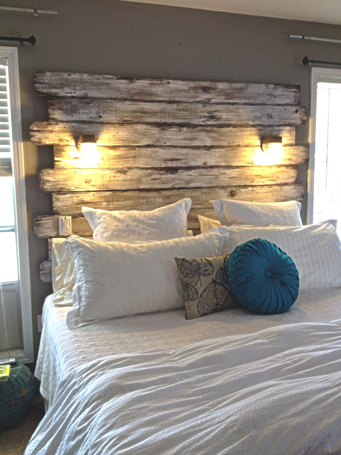 DIY-Wooden-Headboard-Great-Wooden-Headboard-Ideas-Cozy-Bedroom-Lights-on-Wood