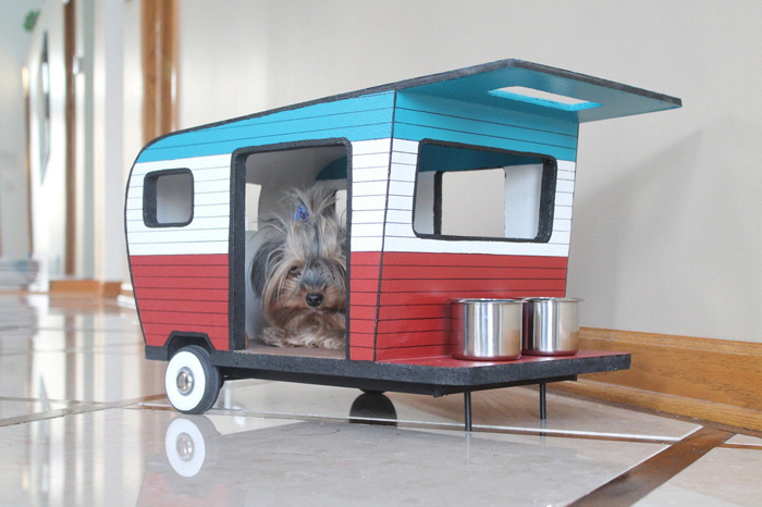 indoor and outdoor pet houses pretend magazine. Black Bedroom Furniture Sets. Home Design Ideas