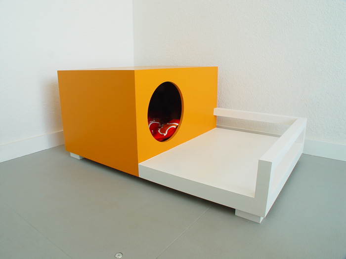 Indoor And Outdoor Pet Houses Pre Tend Be Curious
