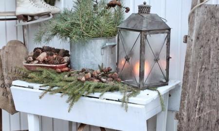 Pinecones-For-Christmas-Decoration-Pinecones-Heart-christmas-diy-christmas-home-décor-christmas-decoration-ideas-christmas-mantel-decorations