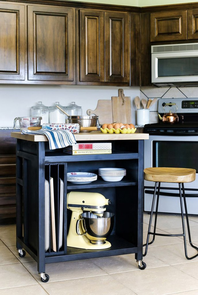 Small-Kitchen-Island-On-Wheels-Vintage-Kitchen-Island