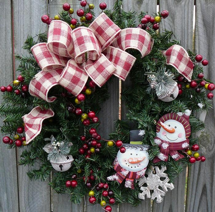 Snow-Men-Door-Easy-Bow-Wreath-christmas-diy-christmas-home-décor-christmas-decoration-ideas--christmas-mantel-decorations