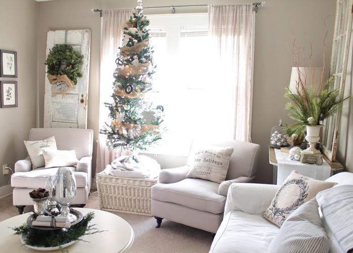 White-Christmas-Livingroom-Decoraion-christmas-diy-christmas-home-décor-christmas-decoration-ideas-christmas-mantel-decorations