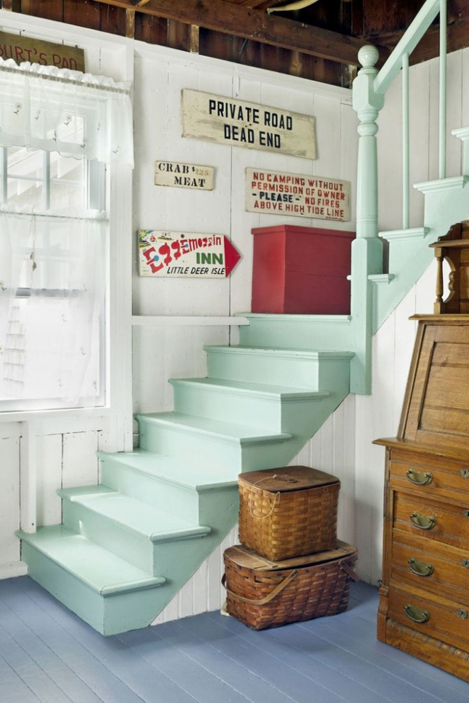 Cottage-Style-House-Blue-Painted-Floor-Green-Painted-Stairs-cottage-style-cottage-decor-cottage-style-décor-cottage-decorating-ideas