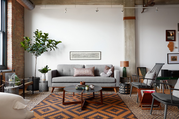 Top-Interior-Design-Trends-for-2018-Extravagant-Rug-Industrial-Style-Living-Room-Cozy-Living-Room-Trends