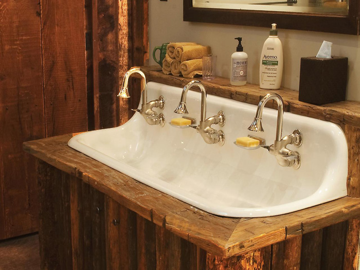 Vintage-style-faucets-Wooden-Bathroom-Cottage-Style-Bathroom-Cozy-Bathroom-cottage-style-cottage-decor-cottage-style-décor-cottage-decorating-ideas