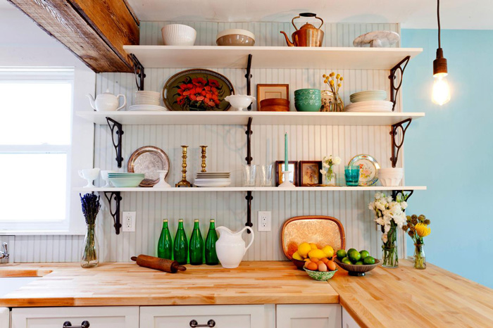painted-open-shelves-with-wood-brackets-White-Kitchen-Bright-cottage-style-cottage-decor-cottage-style-décor-cottage-decorating-ideas