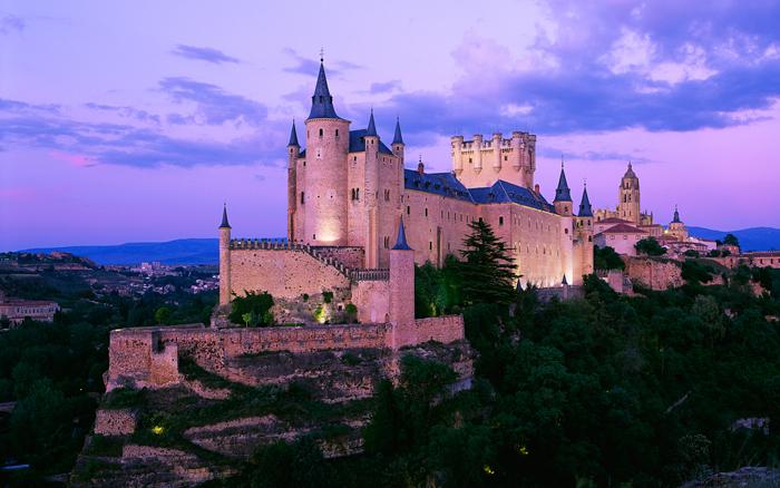 alcazar-castle-segovia-medieval-times-castles