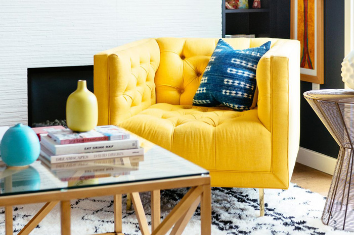 blue-and-yellow-living-room-interior-spring-color-cominations-14