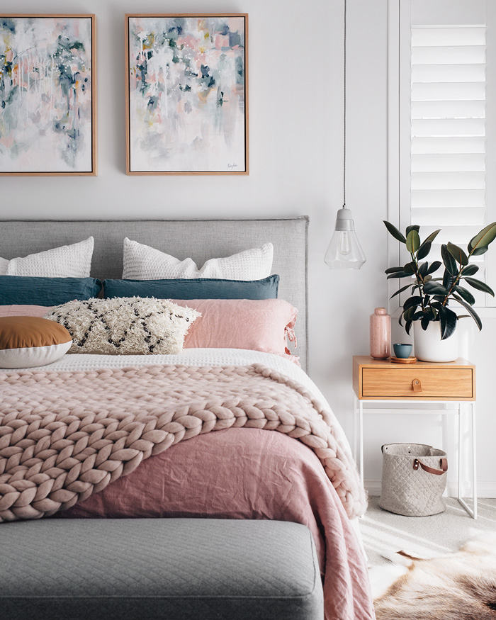 marble-theme-bedroom-home-paint-colors-pink-bedroom-pillows-romantic-colors