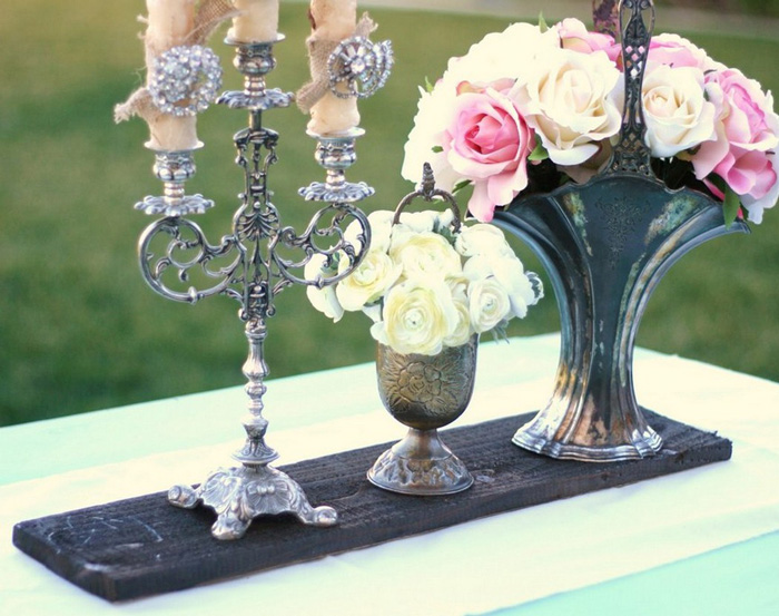 shabby-chic-garden-party-decorations-outdoor-party-ideas-garden-big-candles-table-centerpiece-roses