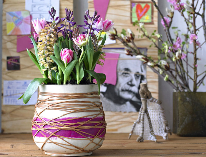 spring-home-decor-decoration-ideas-flowers-vase-modern-vase-purple-vase