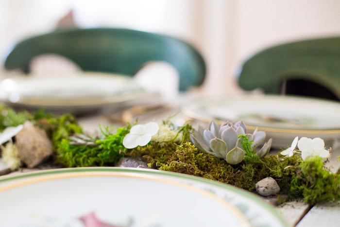 succulent-centerpiece-outdoor-party-ideas-green-table-decor