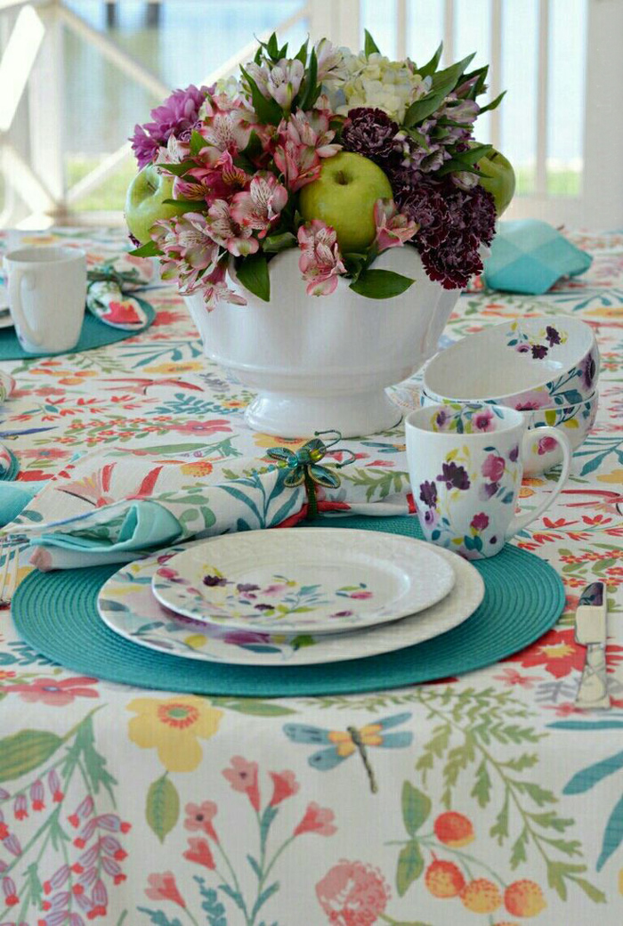 table-decorations--spring-table-decor-table-centerpieces-spring-table-decorations-table-decorations-centerpiece-ideas-simple-centerpieces