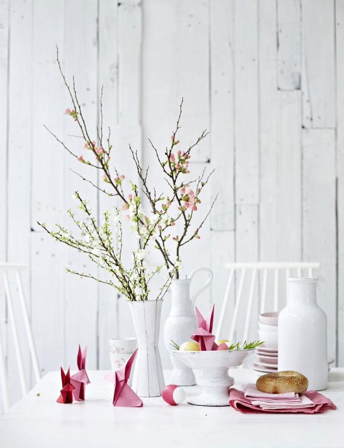 Easter-Decoration-Table-Ideas-Bunnies-from-Paper