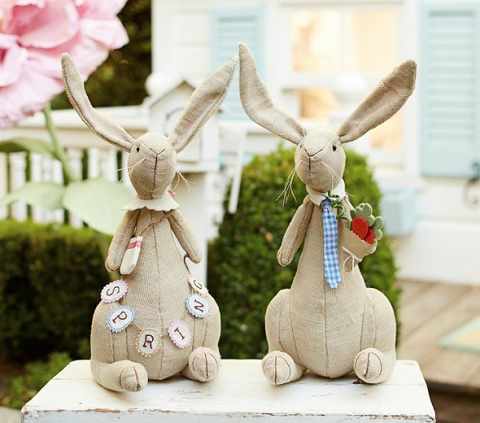 Easter-Outdoor-Decor-Ideas-Bunny-Dolls