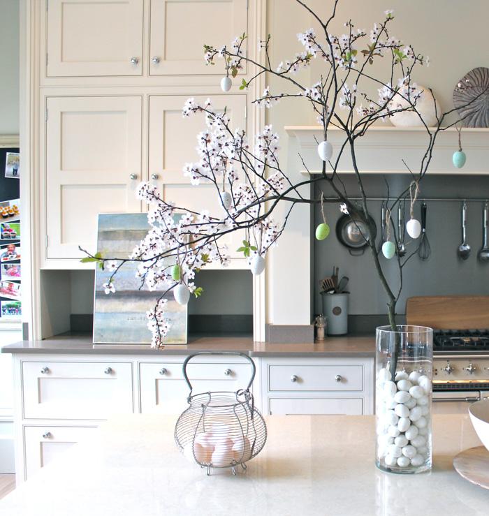 Easter-Vase-Decoration-Eggs-Home-Decor