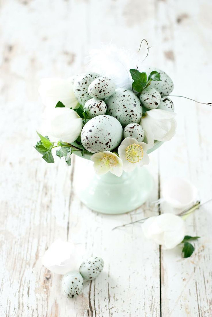 Gentle-Easter-Table-Decoration-Blue-Vase