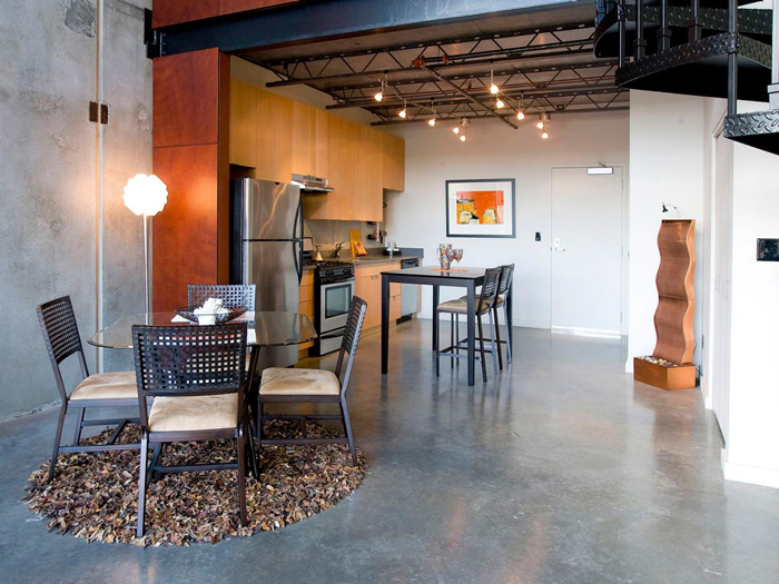 Industrial-Style-Floor-in-Dining-Area