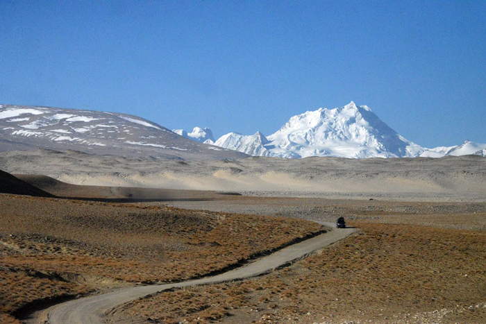Mount-Everest-North-Base-Camp-In-Tibet-motorcycle-holidays