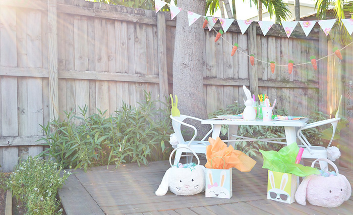 Outdoor-Easter-Kid-Party-Decoration-Ideas-Party-Table